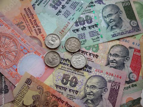 Индийские деньги.