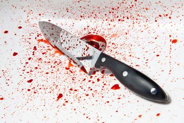 Messer im Waschbecken