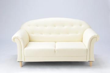 白色のソファ