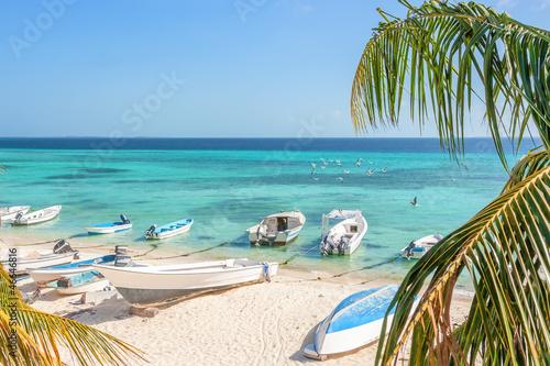 Papiers peints Amérique du Sud Beach of island Grand Roque from above, Venezuela