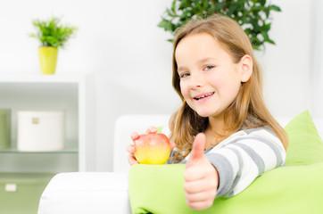 daumen hoch zur gesunden ernährung