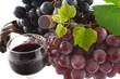 vin et grappes de raisin