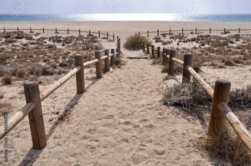 mata magnetyczna Plaża San Miguel, w pobliżu przylądka Gata, Andaluzja (Hiszpania)