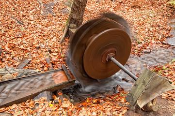 Rad einer Wassermühle, Land Brandenburg, Deutschland