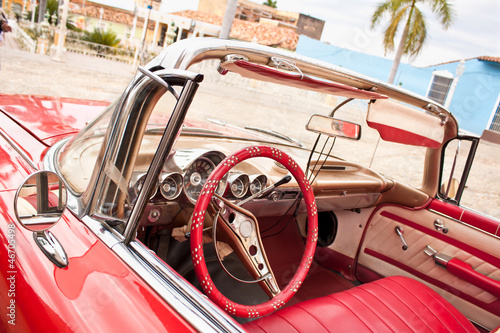 Aluminium Cubaanse oldtimers Classic Chevrolet in Trinidad. Cuba.