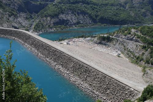 Staande foto Dam barrage hydroélectrique de Serre-Ponçon, France