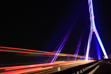 Wesel Rheinbrücke beleuchtet