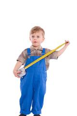 Junge beim messen