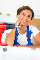 heimwerkerin plant eine renovierung