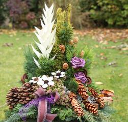 Blumengesteck für den Friedhof