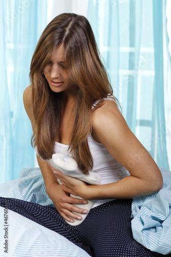Wärmflasche bei Bauchschmerzen