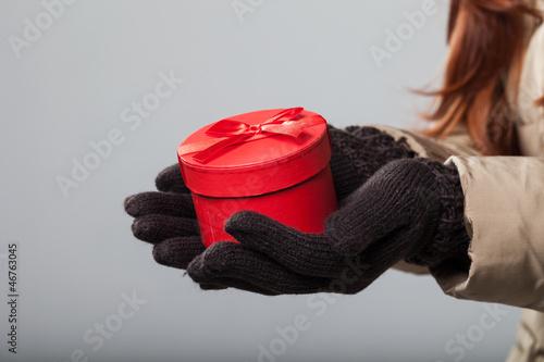 Rotes Geschenkpaket