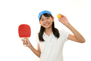 卓球を楽しむ女の子