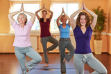Fototapety Yogakurs im Fitnesscenter