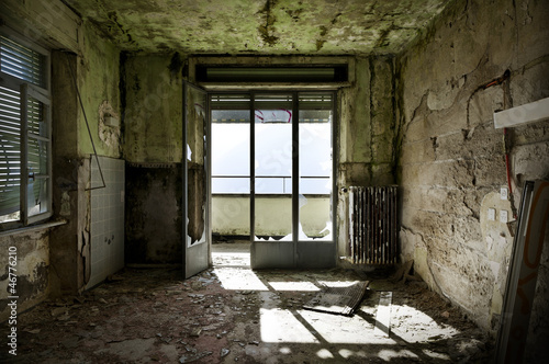 canvas print picture abandoned building, empty room with window