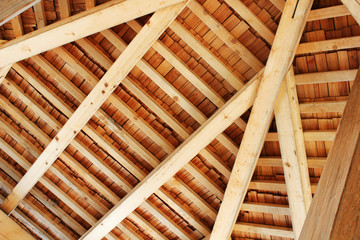 Dachstuhl aus Holz