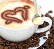 Kaffee-Genuss: Cappuccino mit Herz aus Schokolade