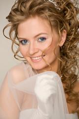 Shoulder up bride