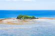 珊瑚礁と島