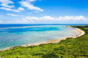 珊瑚礁と空