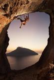 Fototapeta mężczyzna - opoka - Góry