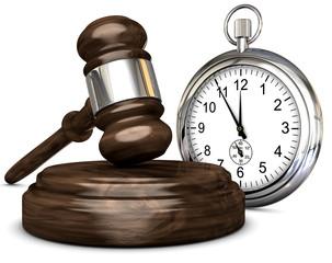 Gerichtshammer mit Uhr