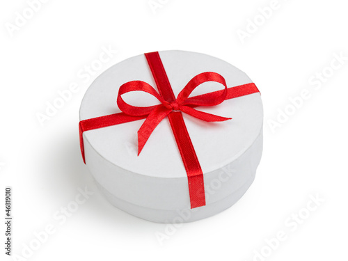 white round cilinder gift box with red bow
