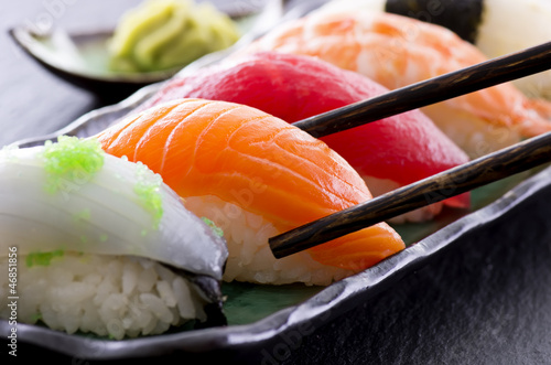 Tuinposter Vis sushi