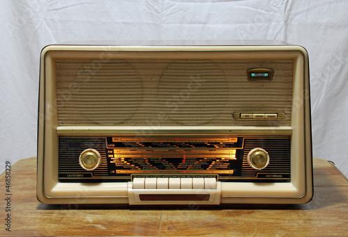 altes radio von ideenkoch lizenzfreies foto 46858229 auf. Black Bedroom Furniture Sets. Home Design Ideas