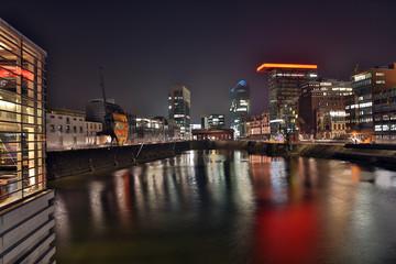 Düsseldorf Medienhafen in der Nacht HDR