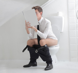 Reading on the Toilet