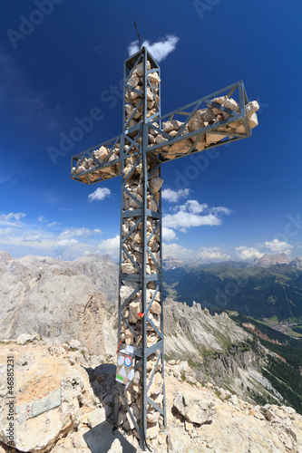 Dolomiti - cross on Roda di Vael