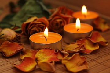 Spa candles with roses