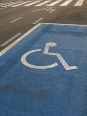 Rollstuhlfahrer-Parkplatz