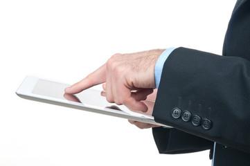 Dito che preme su tablet computer