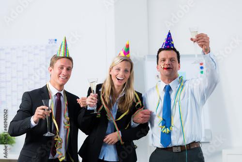 jubiläumsfeier im büro