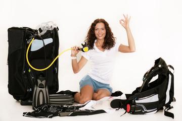 Sportliche Frau mit Tauchausrüstung