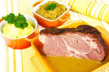 Kasselerbraten, Sauerkraut und Kartoffeln