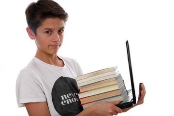 Junge, Bücher und Computer