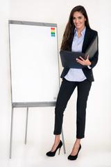 Geschäftsfrau während einer Präsentation