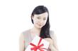 プレゼントを持った女性