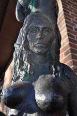 Sirena statua