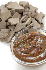 rhassoul, ghassoul, moroccan natural clay