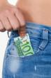 Hand mit Euro Geldschein