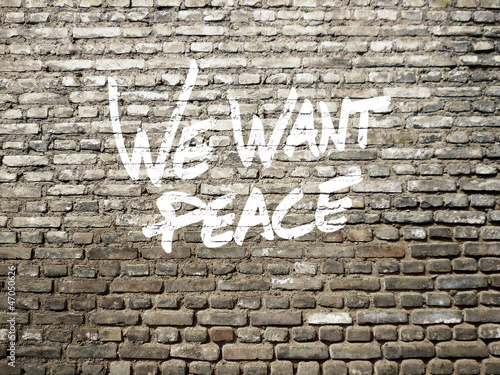 we want peace graffiti © Jonathan Stutz