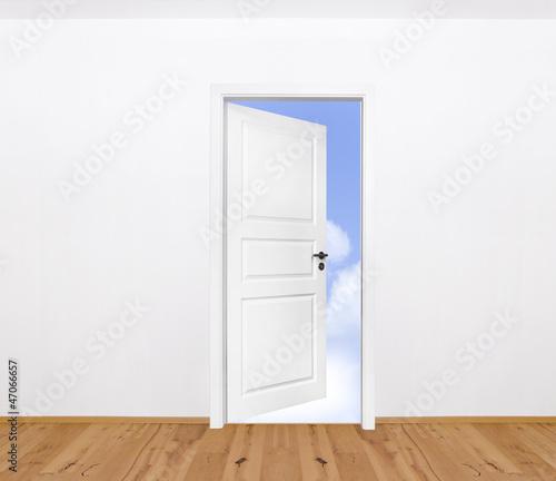 Tür mit Holzboden