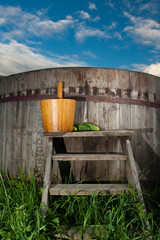 Bath Barrel with broom