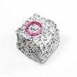 Ehering pink auf Granitstein