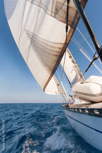 Wall mural Sailing yacht on the race