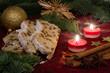 Christstollen und Weihnachtsdeko